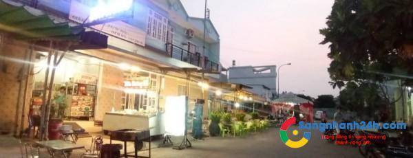 Sang quán ăn BBQ đang hoạt động kinh doanh.