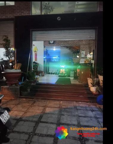Sang khách sạn và phòng massage nằm khu dân cư đông đúc, mặt tiền đường Tô Ký, phường Đông Hưng Thuận, quận 12.