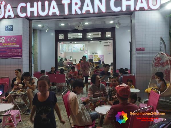 Sang quán sữa chua trân châu nằm mặt tiền đường, khu dân cư đông đúc, trung tâm quận Bình Tân.