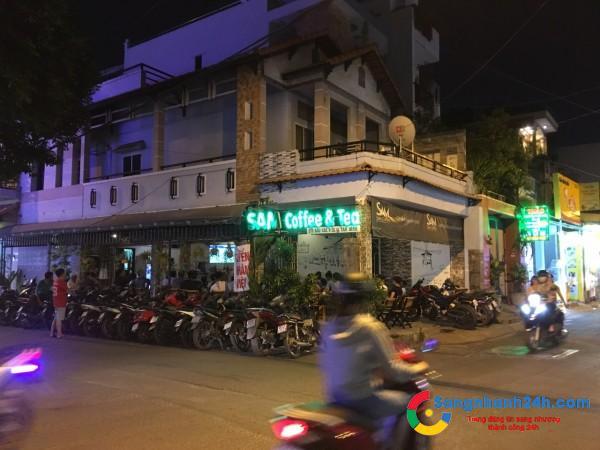 Cần sang quán cafe mặt tiền đường lớn, khu dân cư đông đúc.